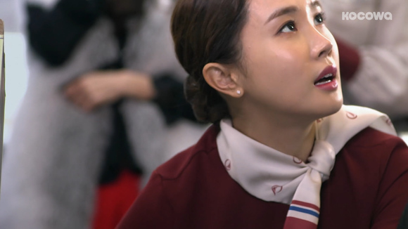 [Tale of a Good Witch: Episode 8] A sparrow acting as a phoenix?