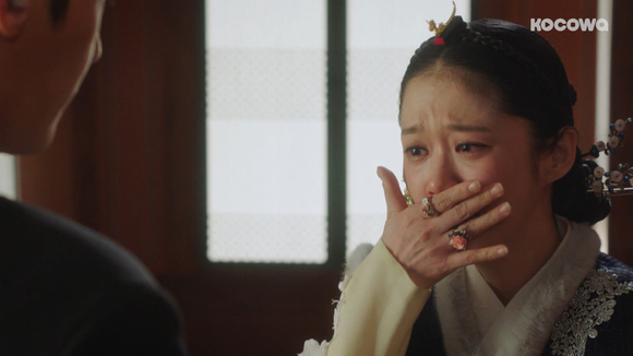 [An Empress's Dignity: Episode 13] I wanna yank her hair out and make a wig out of it