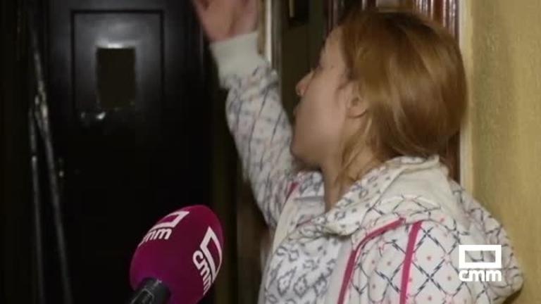 Una familia de Talavera se queja de que un vecino, ausente, les ha inundado la casa