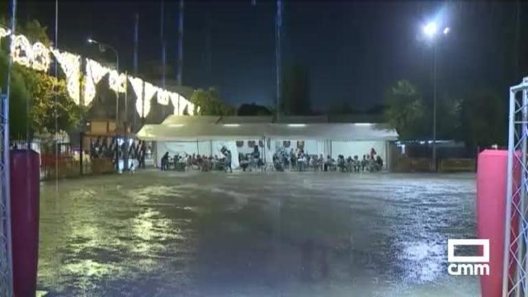 Una fuerte tormenta en Almansa (Albacete) provoca dos heridos leves en la feria