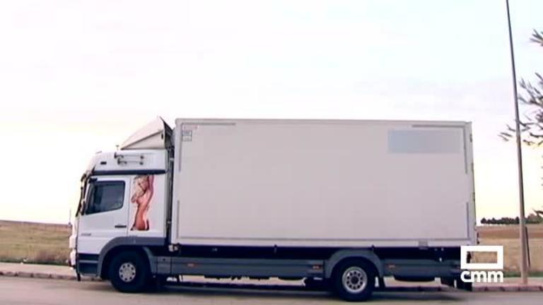 Un juez obliga a una empresa de camiones de Alcázar a eliminar la imagen de una mujer desnuda