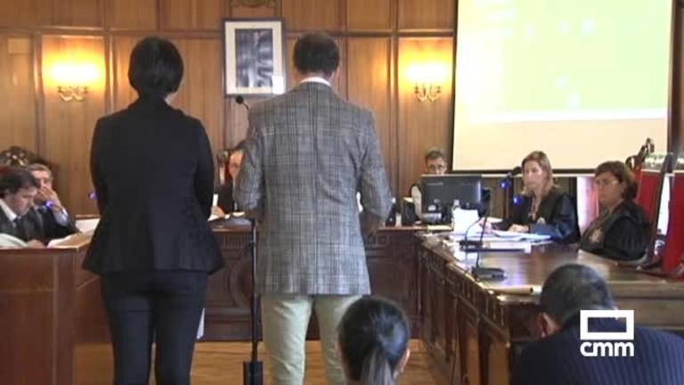 Rebajan a 15 y 3 años de cárcel la condena a los padres por maltratar a su hijo en Almansa