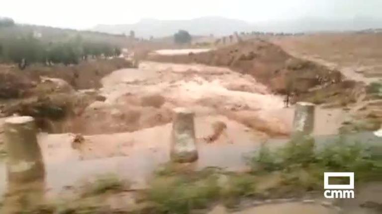 Así fue la riada de ayer en Yeste (Albacete): la previsión para hoy cambia