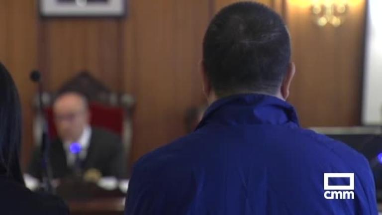 El padre que casi mata en Albacete a su hijo de una paliza exculpa a la madre