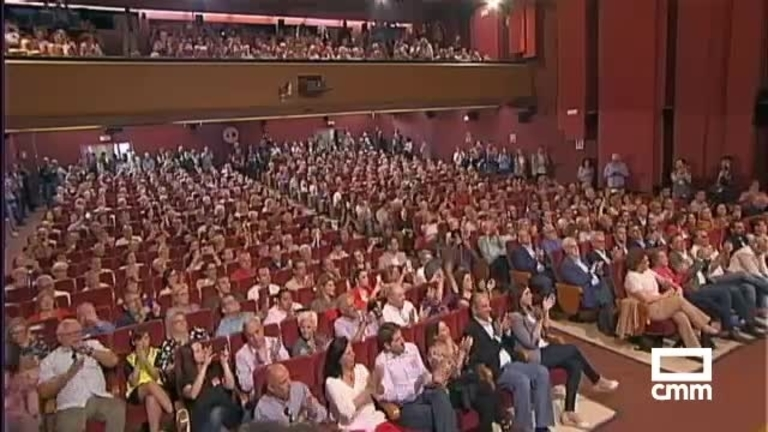 """Sánchez dice que el PSOE habla de """"justicia social y convivencia""""; Borrell advierte que el proyecto de Europa puede """"volver atrás"""""""