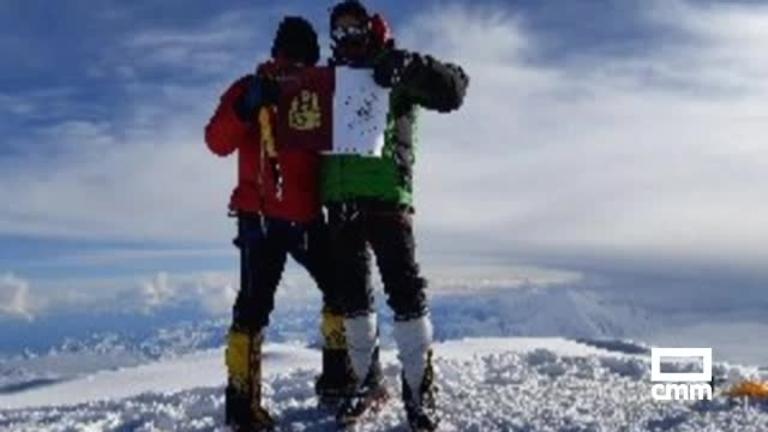 Cumbres del Pacífico: Meta conseguida en Alaska. Felicidades hermanos Romero