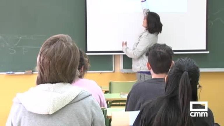 Abre el plazo de solicitud de escolarización de personas adultas en centros de CLM