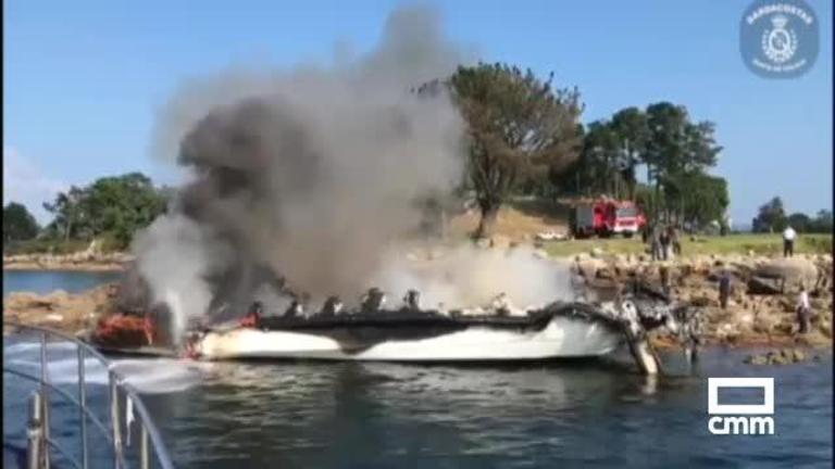 Los dos heridos más graves al arder el catamarán en O Grove son de Guadalajara