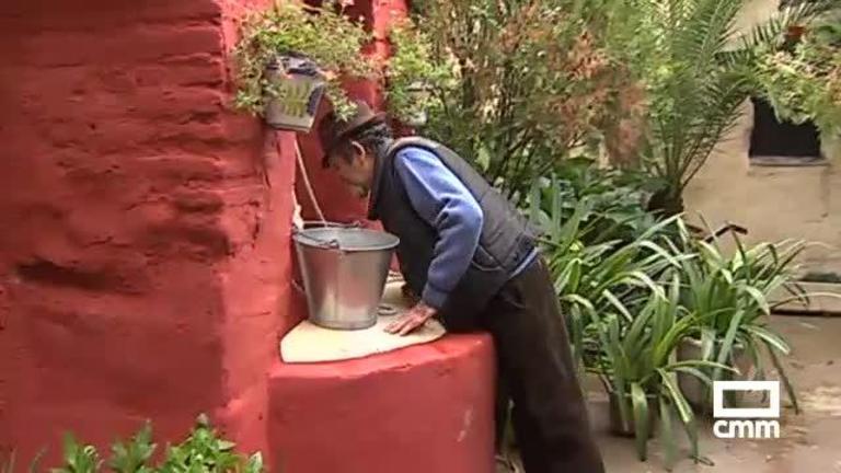 La mujer rescatada de un pozo en Lucillos, a CMM: