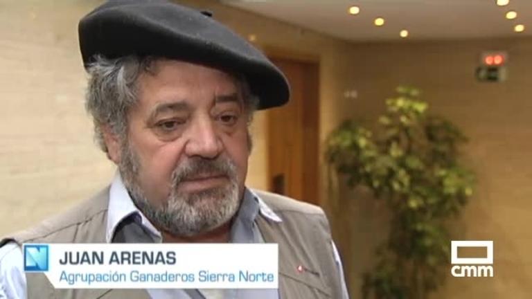 Los ganaderos de Guadalajara denuncian que los turistas molestan a sus rebaños