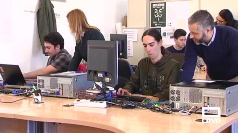 Investigadores de la UCLM diseñan un aparato que constata que un GIF contamina más que una palabra