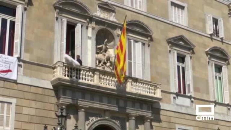 Retiran la pancarta de la Generalitat: Torra se querellará contra la JEC