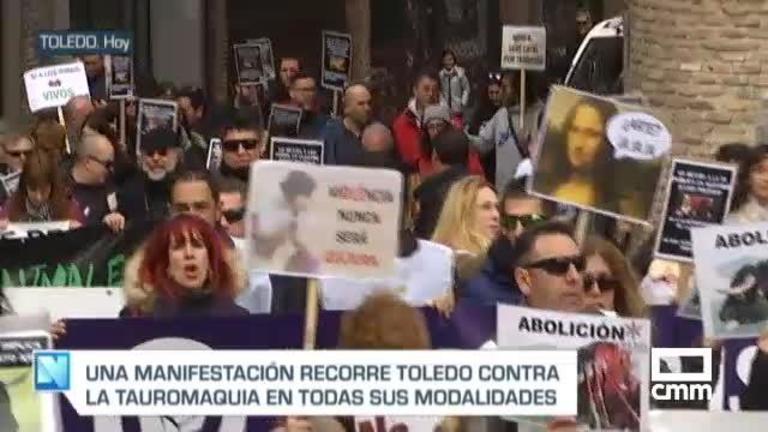 Cerca de 400 personas se manifiestan en Toledo contra los festejos taurinos