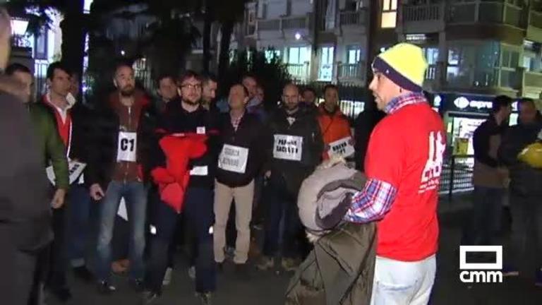 La Diputación de Guadalajara rechaza las demandas de los bomberos pese a su presencia en el Pleno