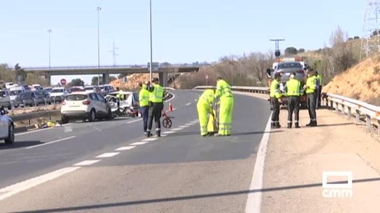 Una muerto y tres heridos en la colisión de tres vehículos en el enlace de la A-42