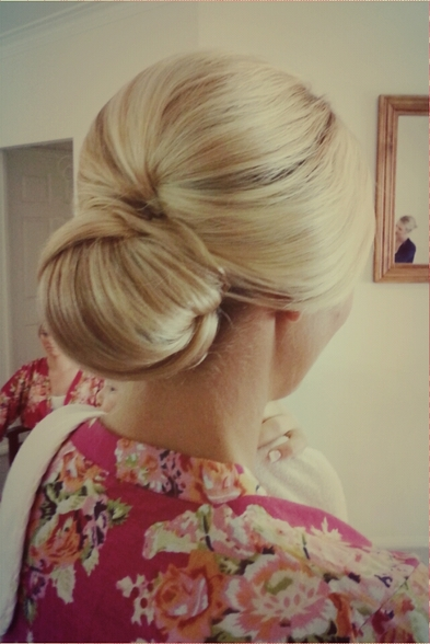 blonde bun. full softness.