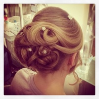 Hair up design