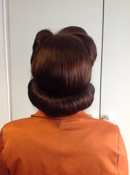 1940s victory rolls back