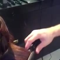 How to create waves with a ghd styler