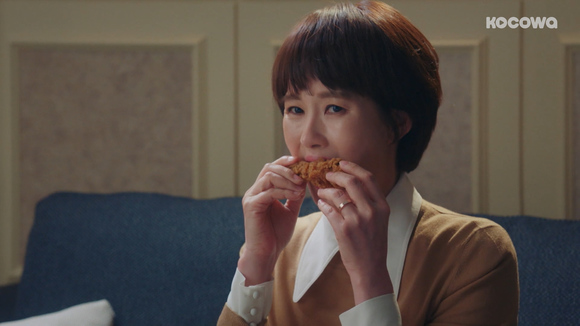 [Should We Kiss First: Episode 37] The chicken leg scandal