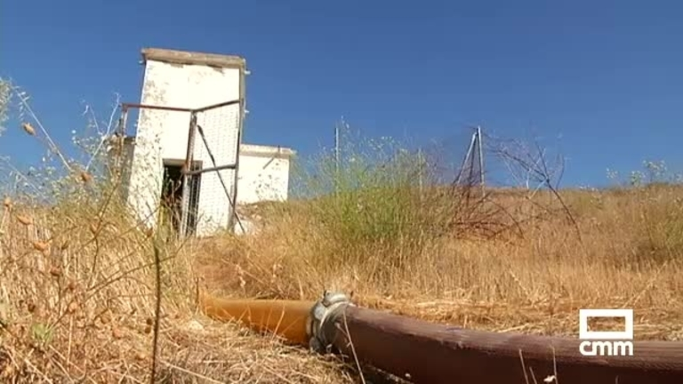 Camiones cisterna abastecen un millón de litros de agua a una decena de municipios de Cuenca
