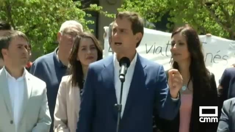 Ciudadanos: Albert Rivera e Inés Arrimadas, en Manresa (Barcelona), llaman a la movilización del voto naranja