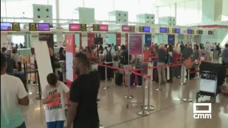 Fin de semana de huelga de los trabajadores de tierra de Iberia en el aeropuerto del Prat (Barcelona)