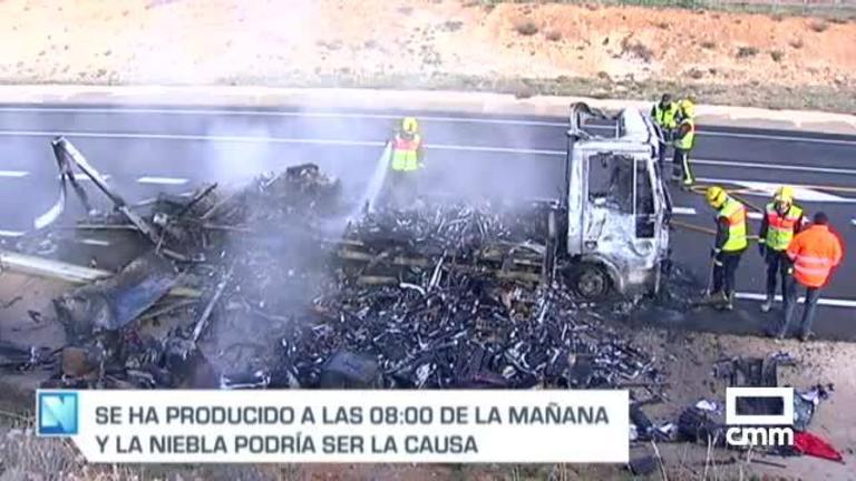 Un choque entre dos camiones en Quintanar de la Orden deja dos heridos