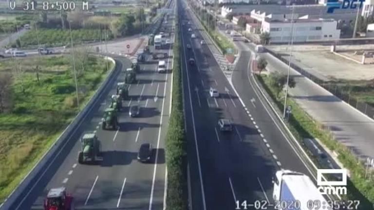 Los agricultores de Andalucía, Valencia, Asturias y Cataluña colapsan las carreteras
