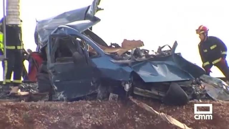 Dos fallecidos tras ser arrollada su furgoneta por un tren en Manzanares (Ciudad Real)