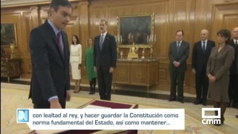 Ante la Constitución y sin crucifijo: Sánchez promete su cargo de presidente