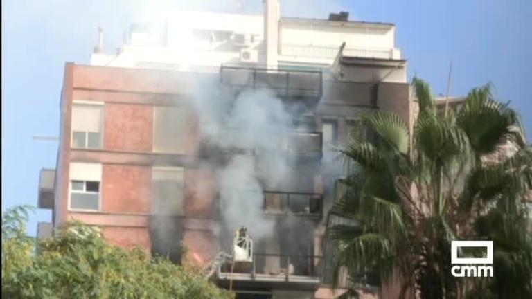 Un muerto y un herido crítico en un incendio de un bloque de viviendas en Barcelona