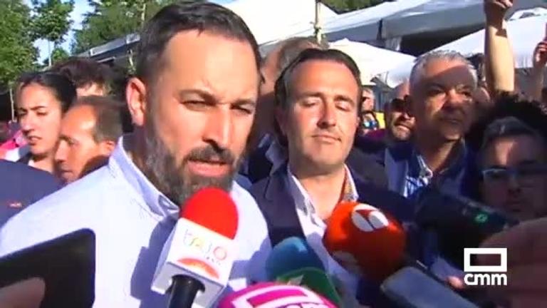 Vox: Arias centra el discurso en las peticiones de los votantes y Abascal en Talavera