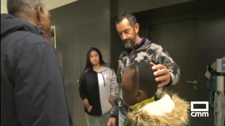 El doctor Cavadas extirpa un tumor craneofacial gigante a un niño africano