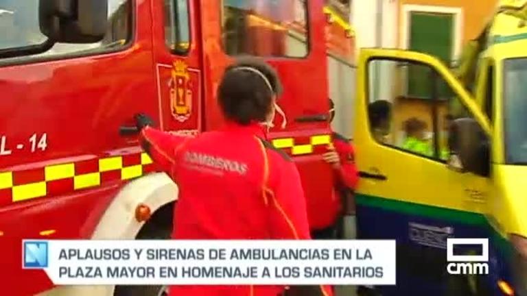El aplauso diario de sanitarios de Cuenca; en apoyo a la familia de un compañero que lucha contra Covid-19