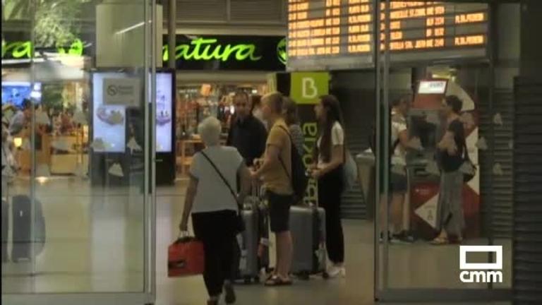 Huelga en Renfe: más de 700 trenes cancelados en plena operación salida