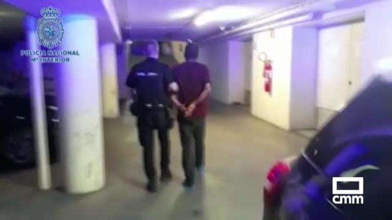 El detenido por matar en Madrid a su pareja, ante sus hijas, tenía orden de alejamiento