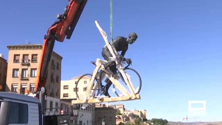 La escultura de Bahamontes vuelve al Miradero para recibir a la Vuelta