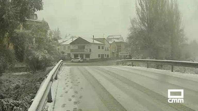 Nieve en las serranías de Cuenca y Guadalajara y fuertes rachas de viento