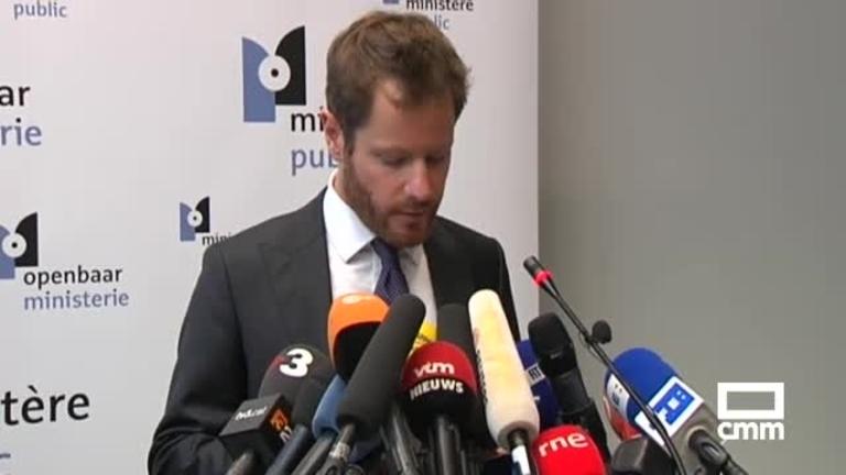 Puigdemont y sus cuatro exconsejeros se entregan a la policía belga
