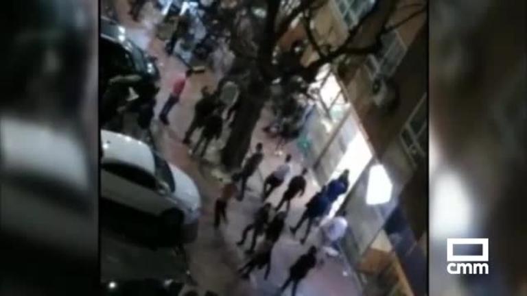 Vídeo: un detenido y varios heridos, uno grave, en una pelea multitudinaria en Ciudad Real