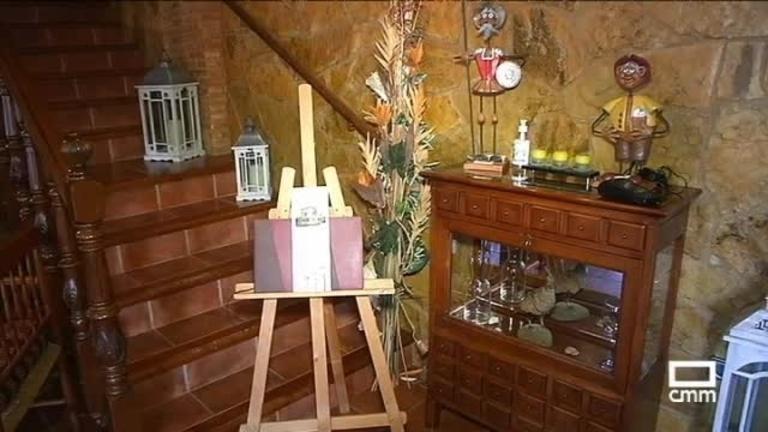 Alojamiento La Moragona, en Vara de Rey (Cuenca)