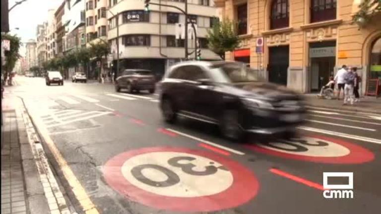 Este martes ya hay que circular a 20 y 30 km/h en vías urbanas: hay sanciones de hasta 600 euros