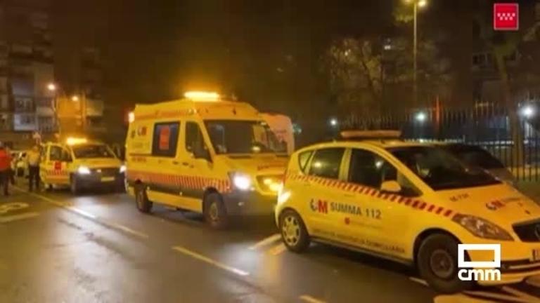 Rescatadas varias personas de un edificio en Alcalá de Henares (Madrid): un muerto y 21 heridos por un incendio