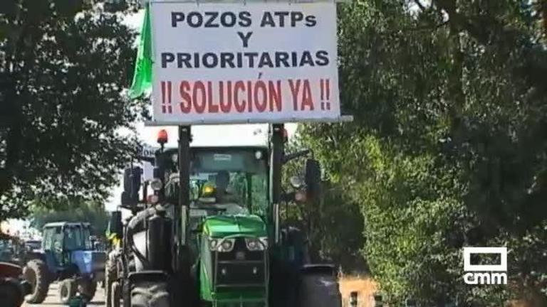 Tractorada en Villarrubia de los Ojos para defender el regadío del Alto Guadiana