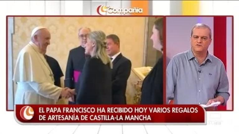 Hablamos con el autor de la cruz que le han regalado al Papa