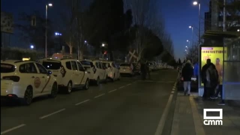 Huelga indefinida de los taxistas de Madrid: suman fuerzas con Barcelona