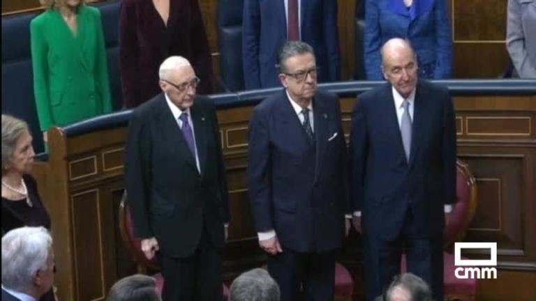 Page participa en un vídeo de reivindicación del rey junto a Rajoy, Vargas Llosa y Casado, entre otros