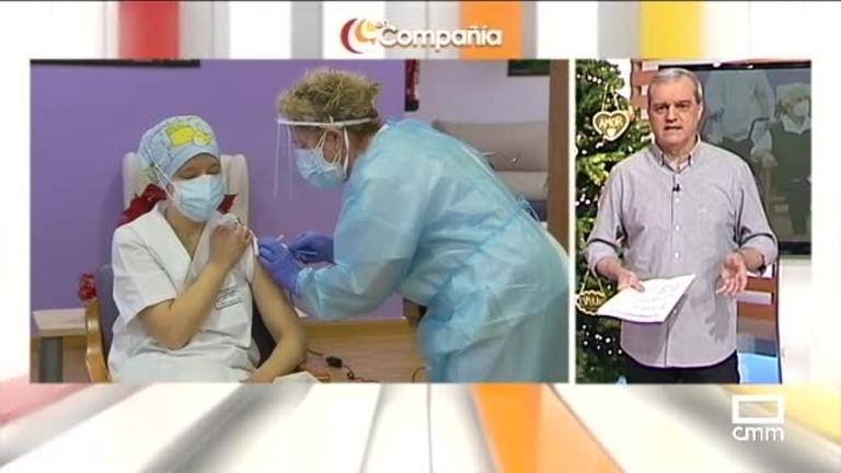 Mónica Tapias, primera sanitaria vacunada en España
