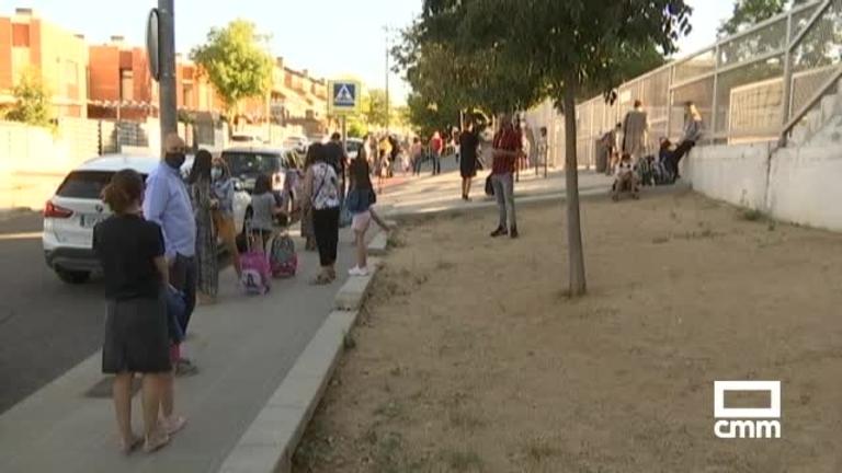 Viticultores protestan en Villarrobledo por el bajo precio de la uva, y otras noticias del día